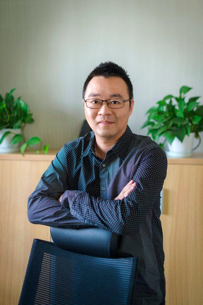 """丝芙兰 CTO 黄鸣:用微服务重构电商体系,结合 AI、AR 让用户""""虚拟试妆"""""""